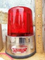 arrow-red-rotating-beacon-light-model_1_52cd9c563ff1610719605e236bc7be6e (2).jpg